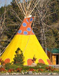 Glamping: Eco-friendly Camping With a Difference